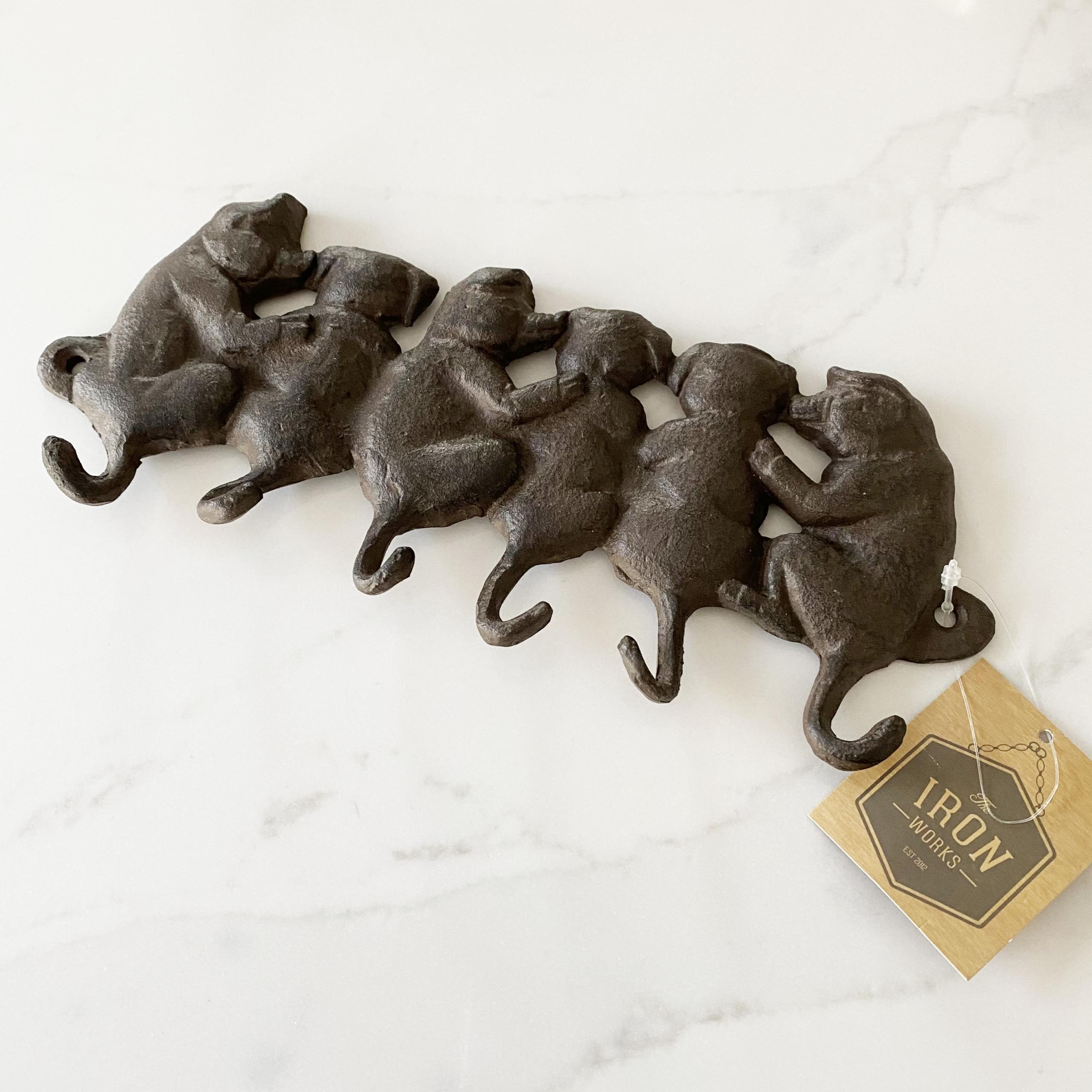 Six pigs iron hook rack